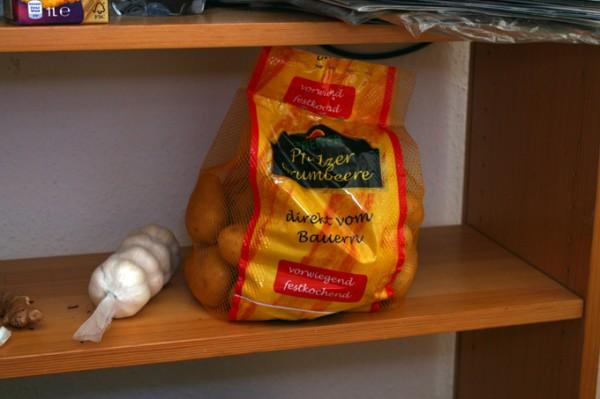Кулинарная минутка. Оливье в Германии и крекеры с сырно чесночной пастой