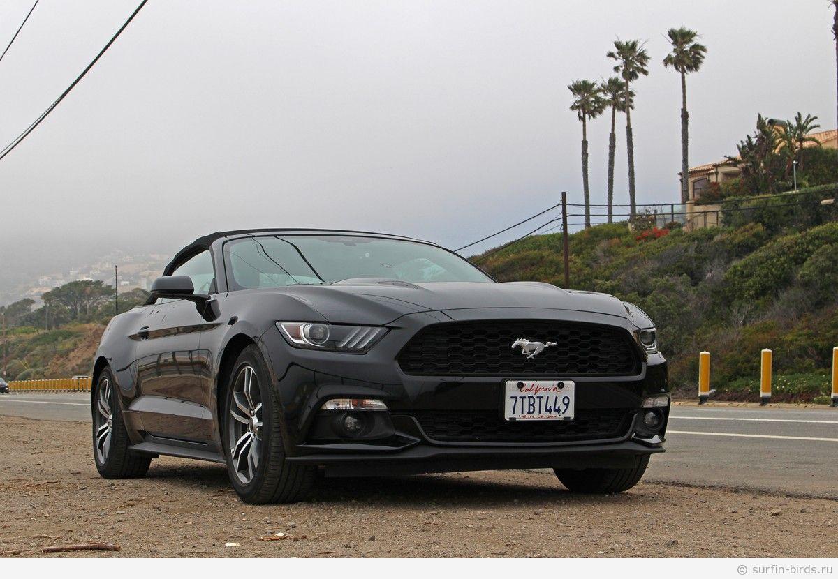 Форд Мустанг черный в США