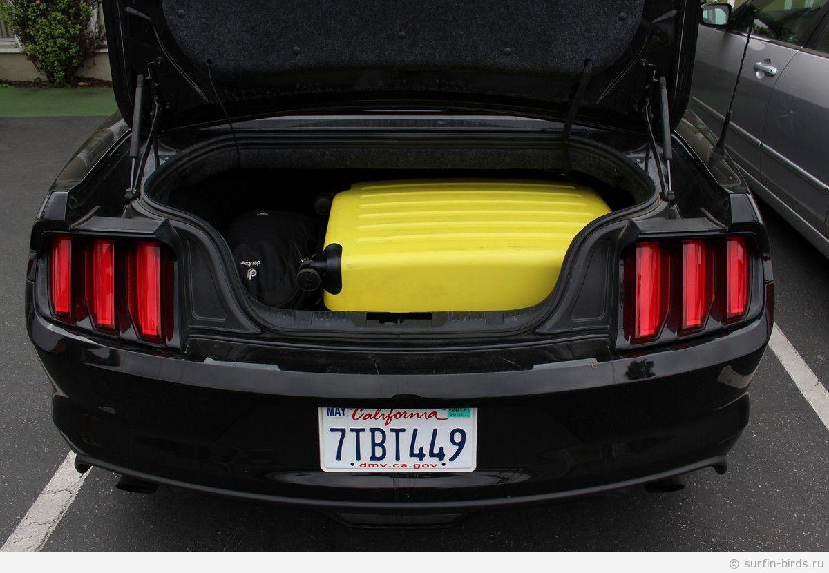 Сколько багажа влезает в форд мустанг в вариации кабриолет